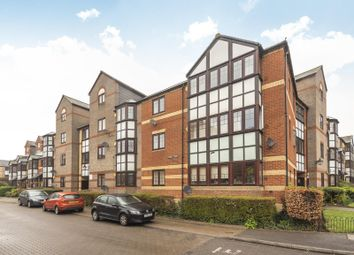 Thumbnail 1 bed flat for sale in Swan Place, Reading