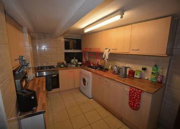 Thumbnail 6 bed terraced house to rent in Hessle View, Hyde Park, Leeds