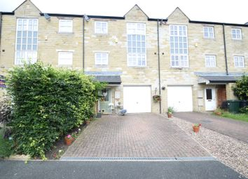 Thumbnail 3 bed town house for sale in Canal Road, Riddlesden