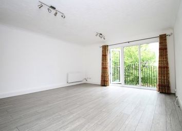 Thumbnail 2 bed flat to rent in The Avenue, Beckenham
