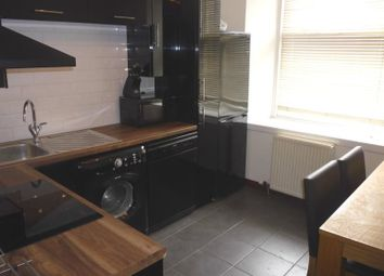 Thumbnail 1 bed flat to rent in Seagate, Dundee