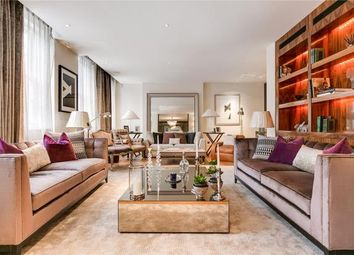 Thumbnail 4 bed flat to rent in Lowndes Square, Knightsbridge, London