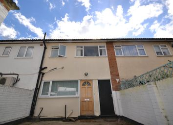 Thumbnail 2 bed flat to rent in Maldon Road, Great Baddow, Chelmsford