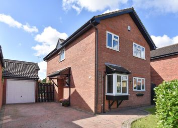 Thumbnail 4 bedroom detached house for sale in Moor End, Holyport