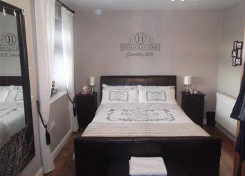 Thumbnail 2 bedroom flat for sale in Hatch Lane, London