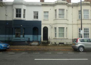 Room to rent in Clarendon Avenue, Leamington Spa CV32