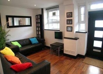 Thumbnail 2 bed flat to rent in Union Grove, London