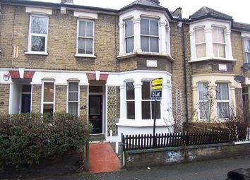 2 bed flat to rent in Newport Road, Leyton, London E10