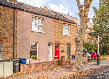 2 bed property for sale in Cranmer Avenue, London W13