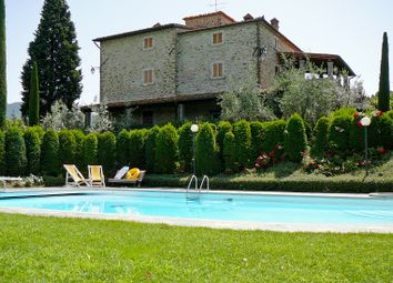 Thumbnail 6 bed farmhouse for sale in Arezzo, Arezzo (Town), Arezzo, Tuscany, Italy