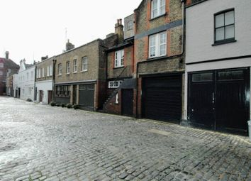 Thumbnail 3 bed flat to rent in Weymouth Mews, Marylebone, London