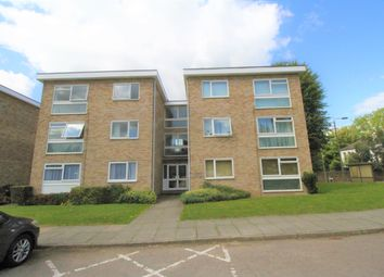 Thumbnail 1 bed flat to rent in Cooden Close, Bromley