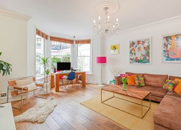 76 The Chase, Clapham SW4. 2 bed flat for sale