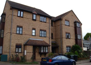 Thumbnail 2 bed flat to rent in Trinity Close, Biggleswade