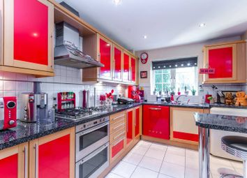 Thumbnail 2 bedroom flat for sale in Holders Hill Road, Mill Hill East