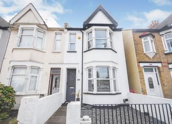 Central Avenue, Southend-On-Sea SS2. 2 bed end terrace house
