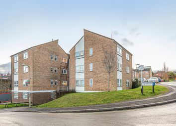 3 bed flat to rent in Woolford Close, Winchester SO22