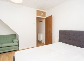Thumbnail 3 bed shared accommodation to rent in Fanshaw Street, London