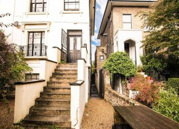 Thumbnail 2 bed flat to rent in Parkhurst Road, Islington
