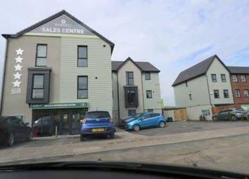 Thumbnail 2 bedroom flat to rent in Rhodfa Cambo, Barry
