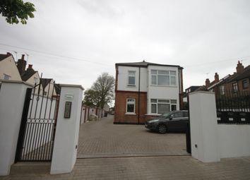 Thumbnail 3 bed duplex to rent in Ingledene Close, Vicarage Road, Hendon