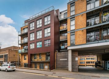 Thumbnail 1 bed flat for sale in Whytecliffe Road South, Purley