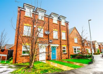 Thumbnail 3 bed town house to rent in Dunsil Road, Mansfield Woodhouse, Nottinghamshire