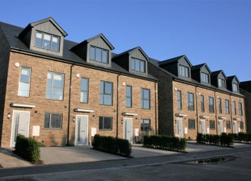 4 bed town house to rent in Tonbridge Road, Maidstone ME16