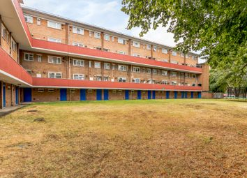 3 bed flat for sale in Oakfield Close, New Malden KT3