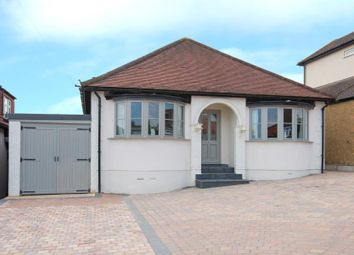Thumbnail 3 bedroom detached house for sale in Kingswell Ride, Cuffley, Potters Bar, Hertfordshire