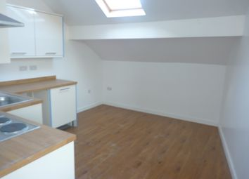 Thumbnail 1 bed flat to rent in Bradford Road, Keighley