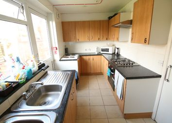 Thumbnail Room to rent in Long Lane, East Croydon