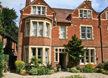 Thumbnail 1 bed flat to rent in Bardwell Road, Oxford