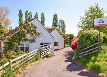 3 bed detached bungalow for sale in Greenway Lane, Buriton, Petersfield, Hampshire GU31