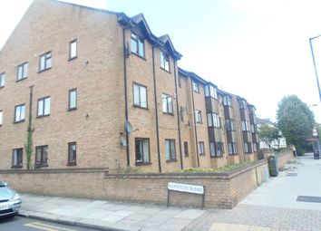 Thumbnail 2 bed flat to rent in Raynton Road, Enfield