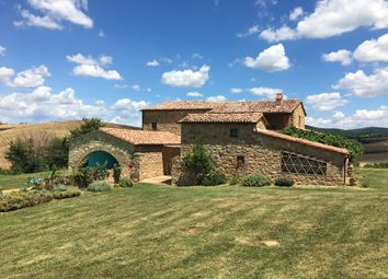 Thumbnail 8 bed farmhouse for sale in Pienza, Pienza, Siena, Tuscany, Italy
