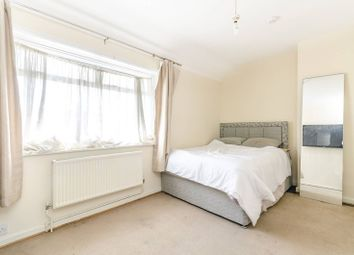 3 bed property for sale in Launcelot Road, Bromley BR1