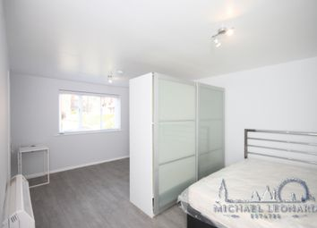 Thumbnail Studio to rent in Blackdown Close, East Finchley