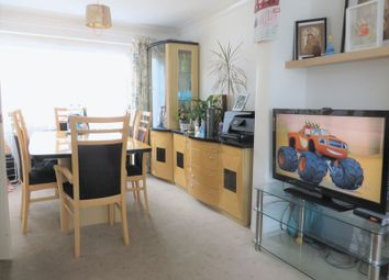 3 bed property for sale in Green Lane, Crawley RH10