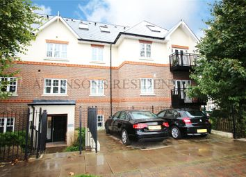2 bed flat for sale in Linden Way, London N14