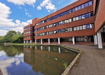 Walton Street, Aylesbury HP21. 3 bed flat