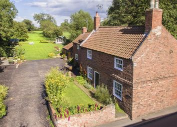 Thumbnail 4 bed cottage for sale in Wiseton Road, Clayworth, Retford