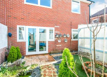 2 bed maisonette for sale in Consort Close, Parkstone, Poole BH12