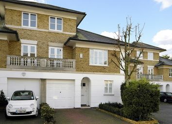 Thumbnail 4 bed town house to rent in Crofton Avenue, London