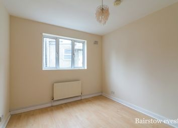 Thumbnail 1 bedroom flat to rent in The Avenue, London