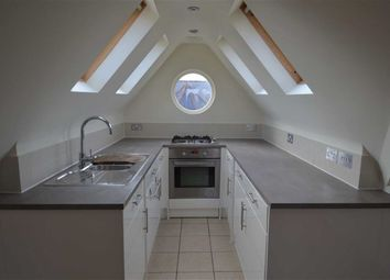 Thumbnail 1 bed flat to rent in Sedgemere Avenue, Finchley, London