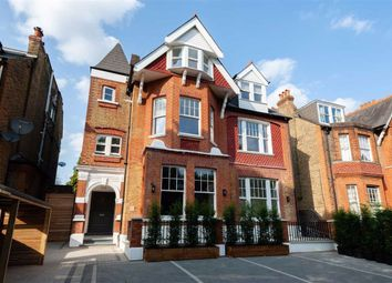 Madeley Road, London W5. 2 bed flat