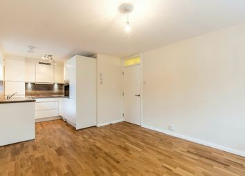Thumbnail 1 bedroom flat to rent in Oakleigh Road North, London