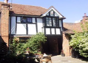 Thumbnail 1 bed flat to rent in High Street, Chalfont St. Giles