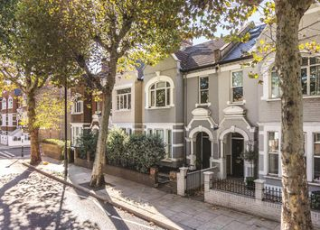 Thumbnail 3 bedroom flat for sale in Wandsworth Bridge Road, London